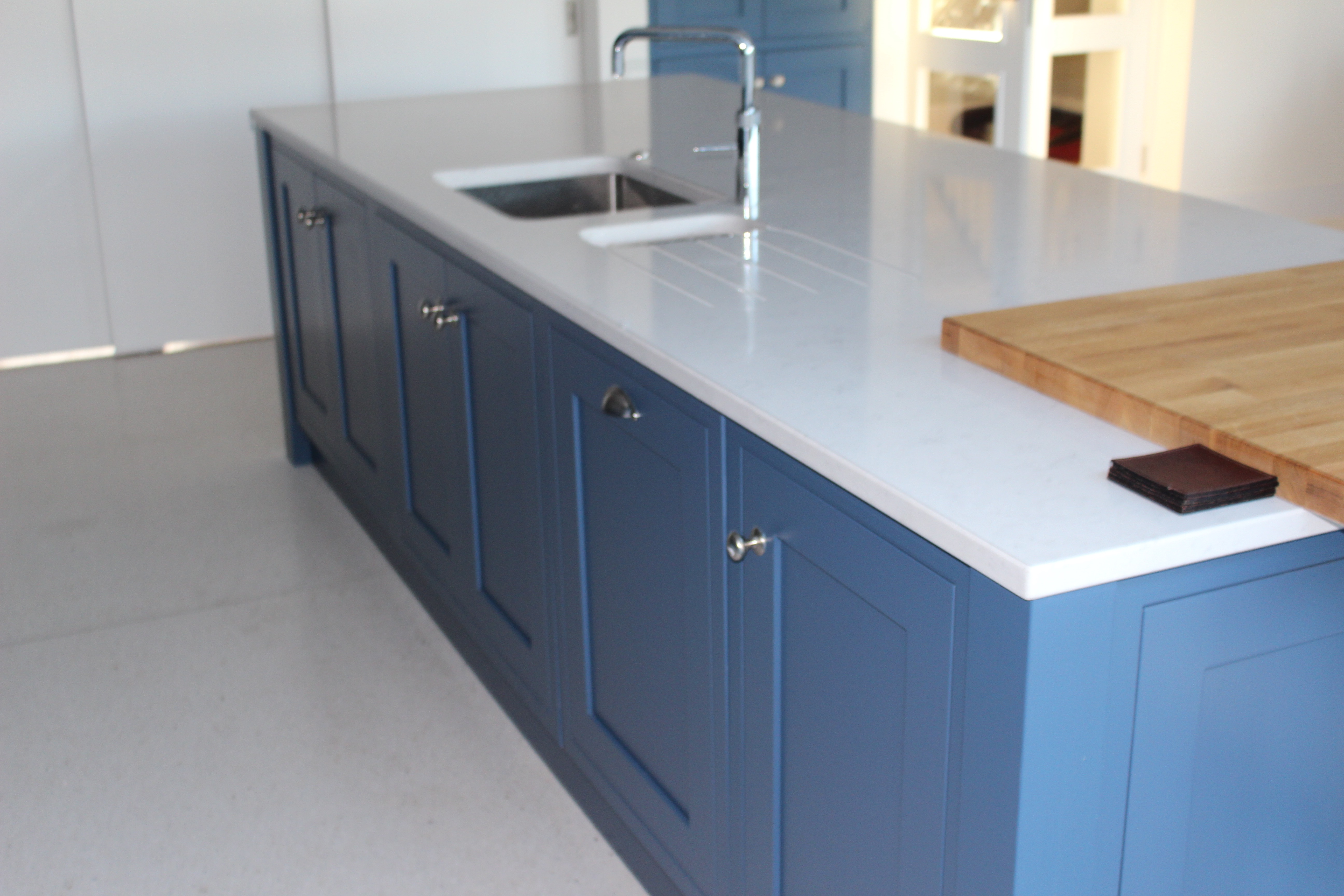 Silestone Lagoon Quartz. Cool Kitchen Silestone Lyra Countertops ...